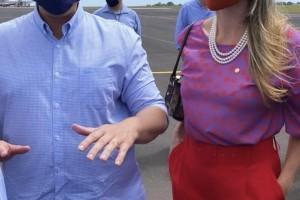 Deputada Federal Greyce Elias está em Uberlândia com o Ministro da Infraestrutura Tarcísio Freitas