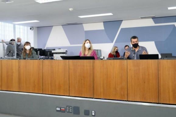 Governo de Minas propõe acelerar municipalização de escolas para melhorar ensino