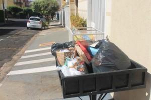Cuidado ao jogar no lixo embalagens das compras feitas...