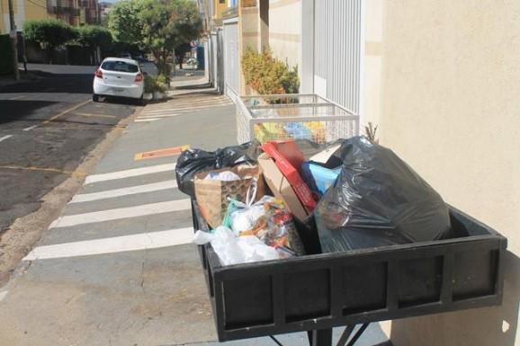 Cuidado ao jogar no lixo embalagens das compras feitas pela internet