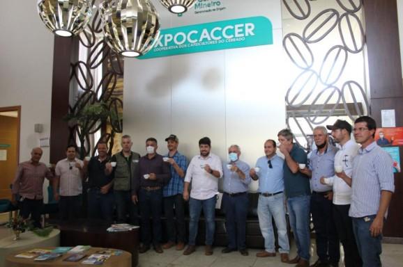 Expocaccer acompanha visita de deputados da Frente Parlamentar do Café no Cerrado Mineiro