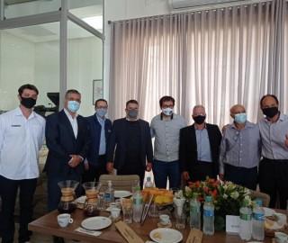 Imagem 3 do post Vice-governador de Minas e Deputada Federal Greyce Elias visitaram a Expocaccer nesta quarta-feira