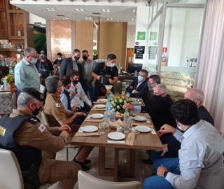 Imagem 2 do post Vice-governador de Minas e Deputada Federal Greyce Elias visitaram a Expocaccer nesta quarta-feira