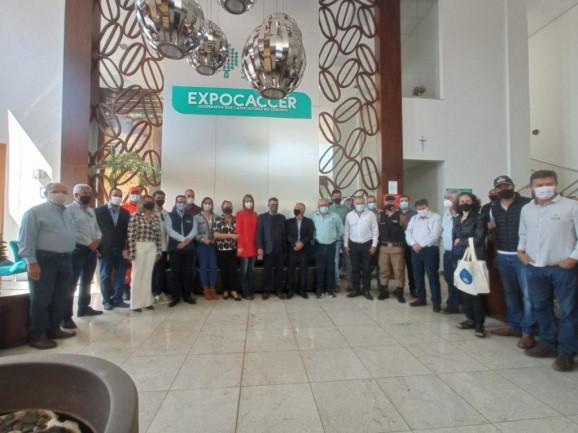 Vice-governador de Minas e Deputada Federal Greyce Elias visitaram a Expocaccer nesta quarta-feira